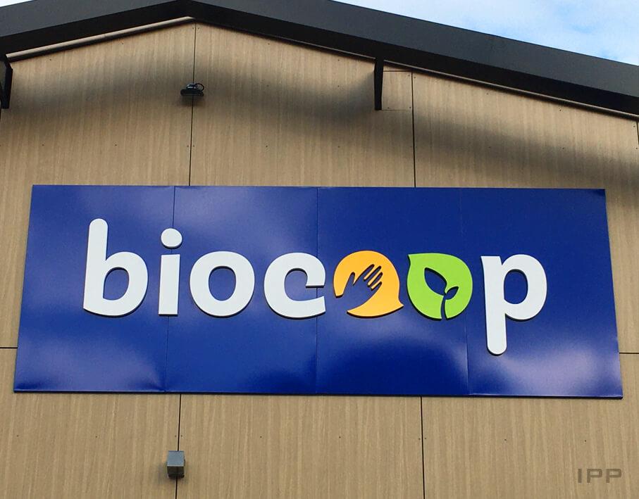 Enseigne bandeau de Biocoop vue détaillée
