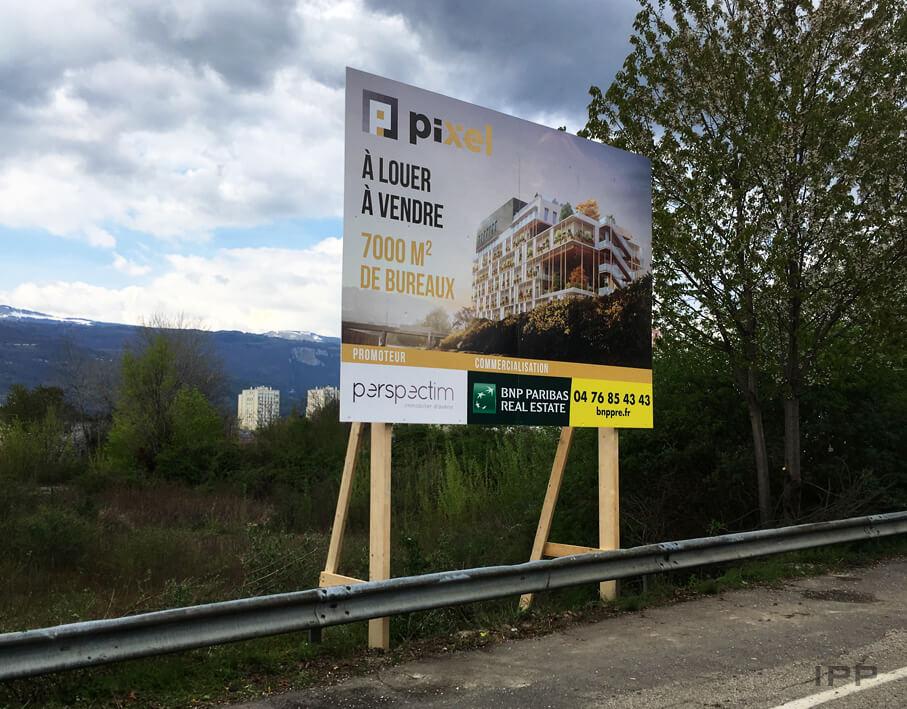 Panneau immobilier BNP immobilier vue d'ensemble