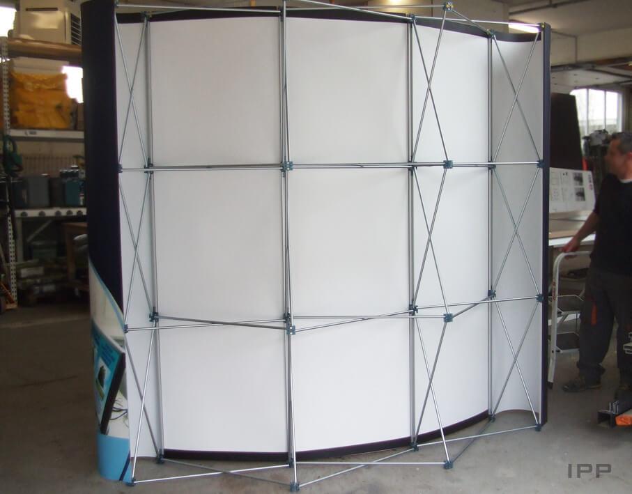Événementiel stand parapluie Cabinet Giraud vue d'ensemble de derrière