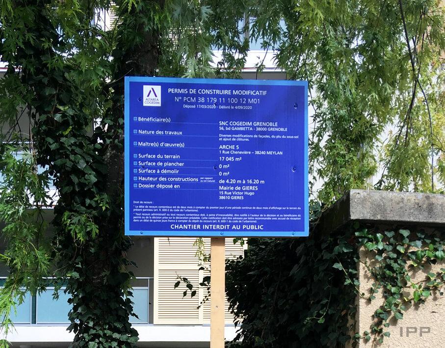 Marketing immobilier panneau de chantier Cogedim vue détaillée