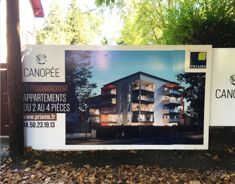 Marketing immobilier sur palissade Priams vue détaillée