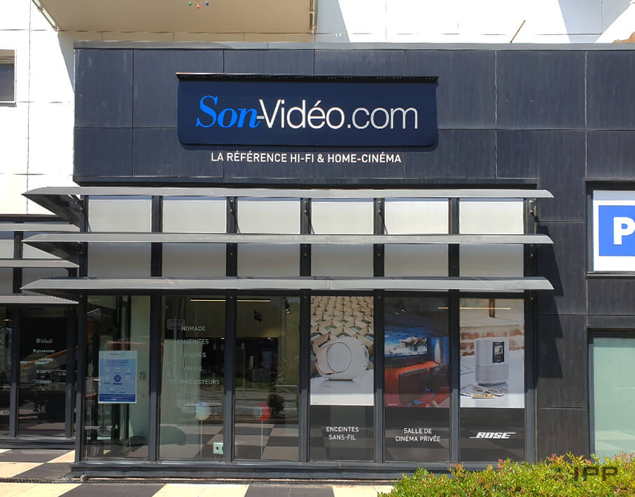 Enseigne bandeau lumineux SonVideo.com vue de face