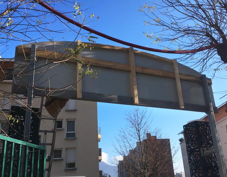 Marketing immobilier signalétique Gilles Trignat vue de l'arrière de l'arche