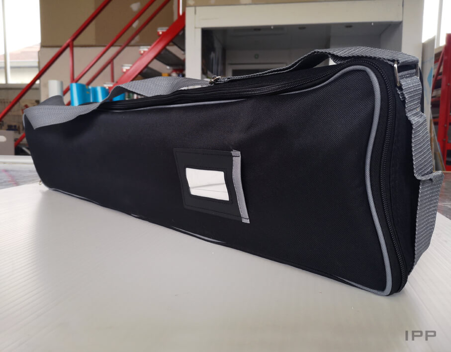 Événementiel kakémono UFP vue de la sacoche de transport