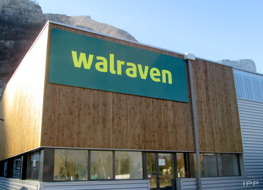 Enseigne en aluminium plié réalisée pour la société WALRAVEN
