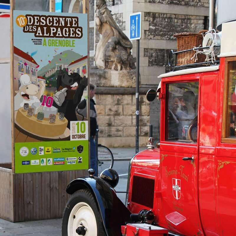 Totem temporaire pour l'évènement Descente des Alpages de Grenoble