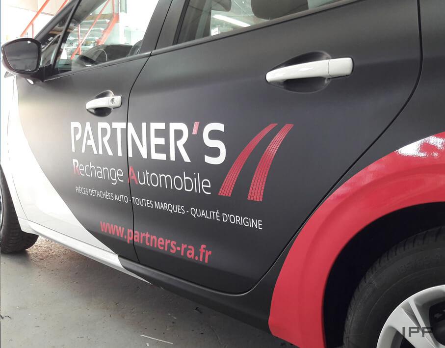 Covering véhicule Partners vue détaillée