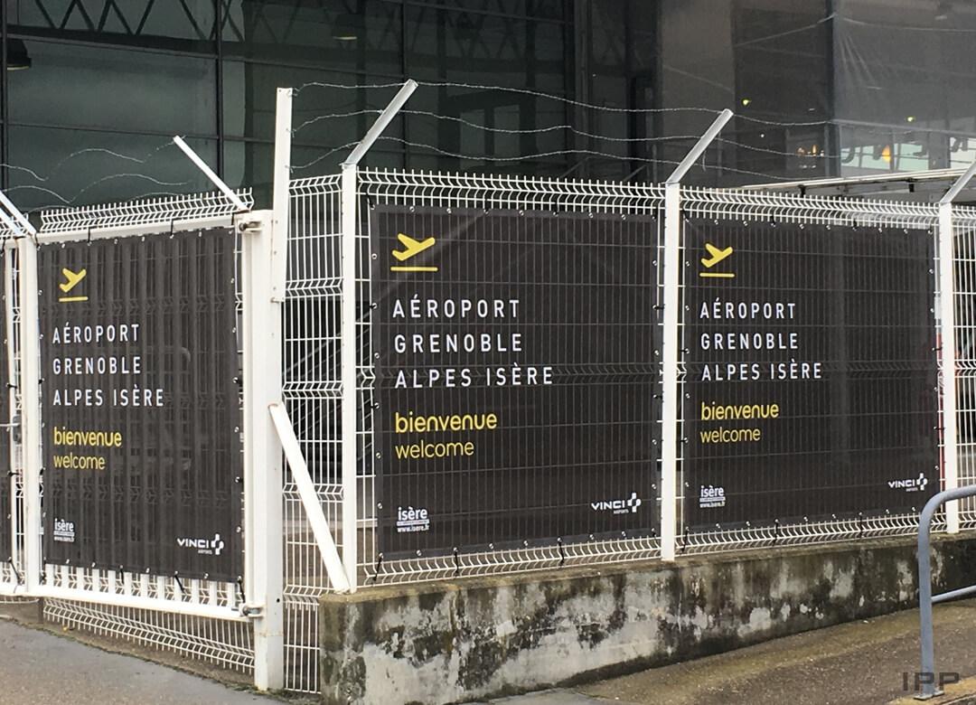 Bâches microperforées pour l'Aéroport de Grenoble