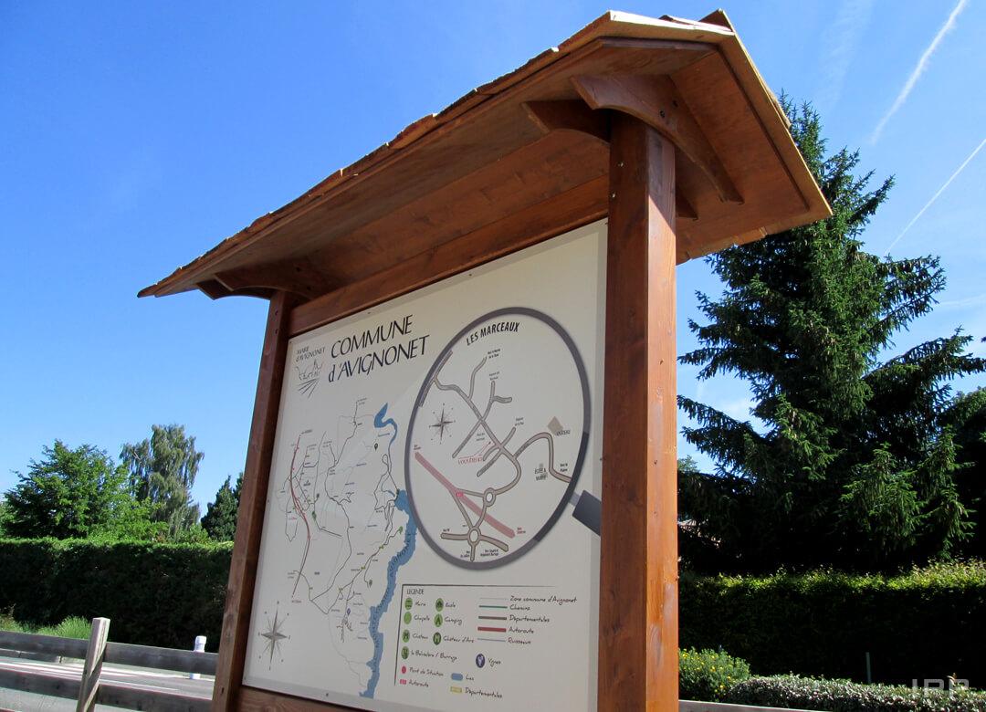Mobiliers de tourisme structure bois avec plan intégré