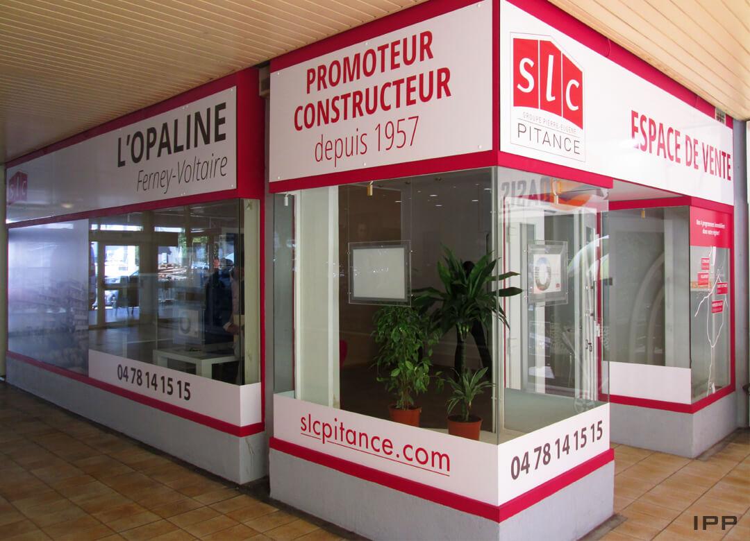 Espace de vente marquage réalisé en enseigne et vitrophanie pour SLC PITANCE