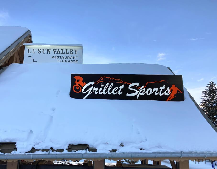 Enseigne bandeau lumineux Grillet Sport vue détaillée